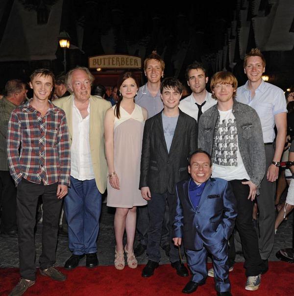 WWoHP Hogsmeade Grand Opening Cast1