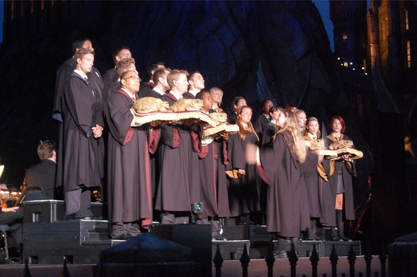 WWoHP Hogsmeade Grand Opening Choir2