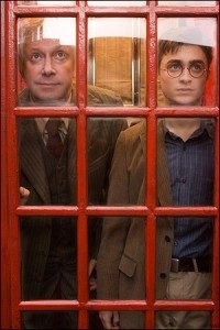 harry-potter-arthur-weasley-telephone-booth