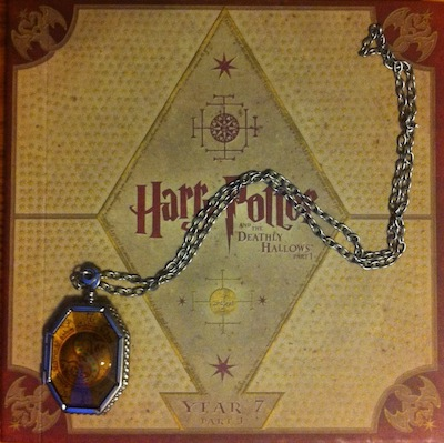 slytherin's locket photographed on deathly hallows wizards collection