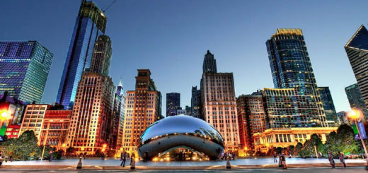 The Bean (Cloud Gate) sculpture and skyline in Chicago