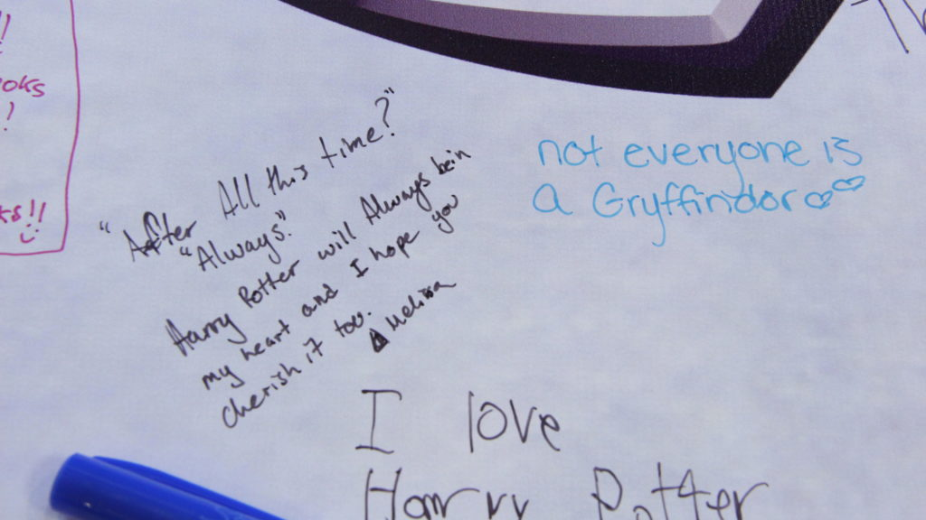 A fan message on the #PotterItForward banner.