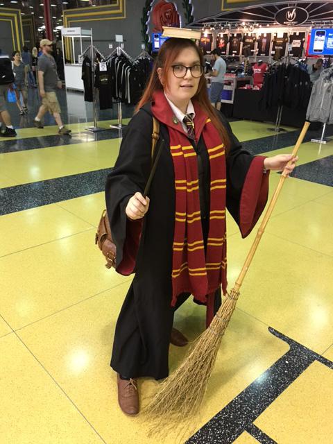 Wizard World Chicago Cosplay Quidditch Book Girl