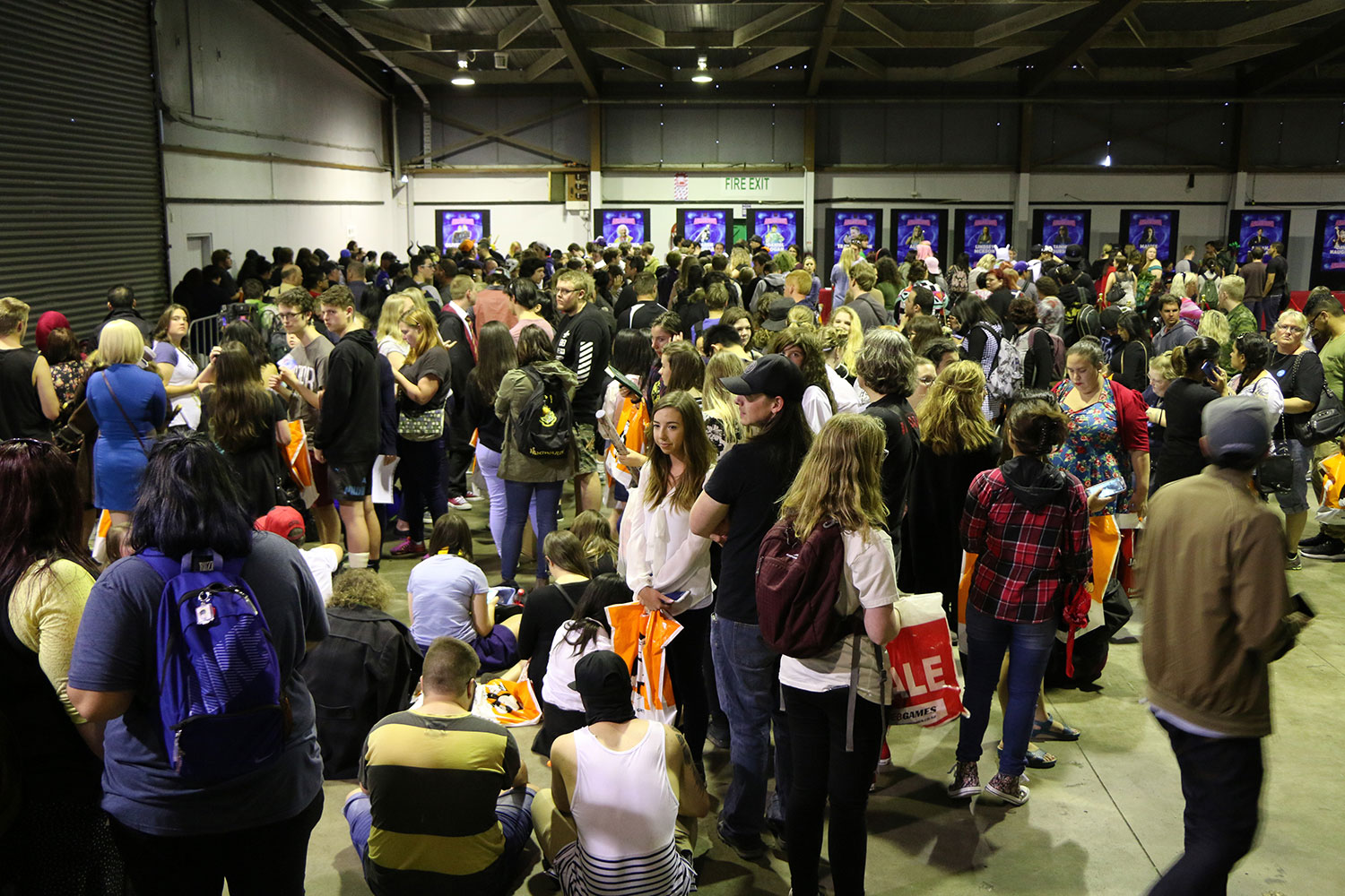 Armageddon Expo 2016 – Auckland – Oct 22 – James and Oliver Phelps Autograph Signing – 1 (Photo credit: Tracey Wong)
