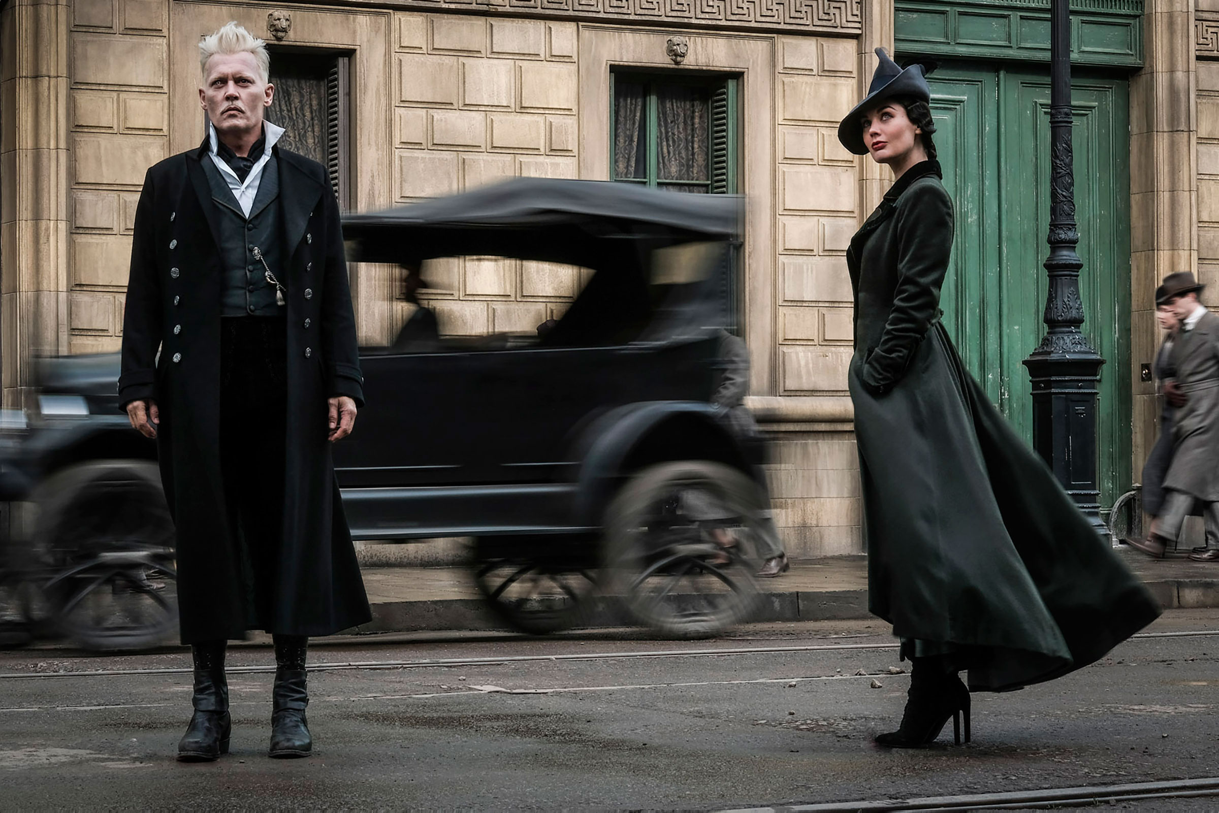 """Fantastic Beasts: The Crimes of Grindelwald"": Gellert Grindelwald (Johnny Depp) and Vinda Rosier (Poppy Corby-Tuech)"