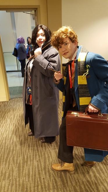 Newt and Tina cosplay