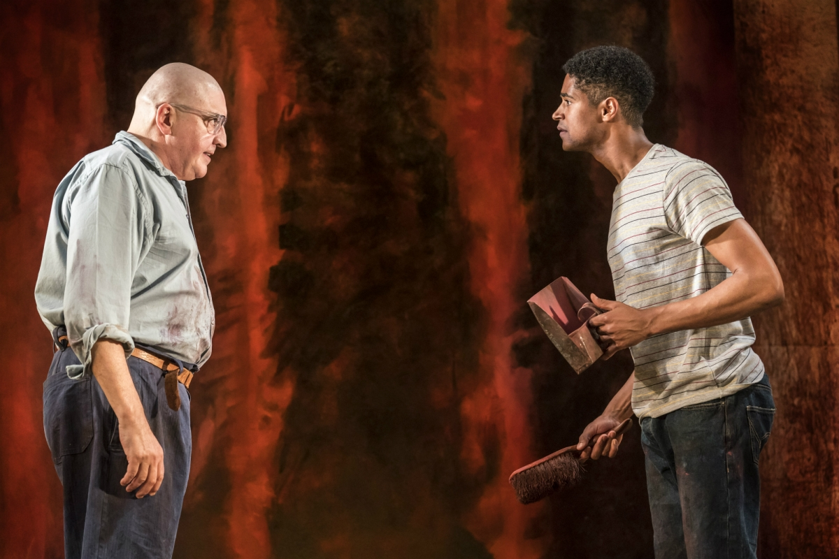 Molina is reprising the role of artist Rothko, which he debuted in 2009 opposite another famous wizard, Eddie Redmayne!