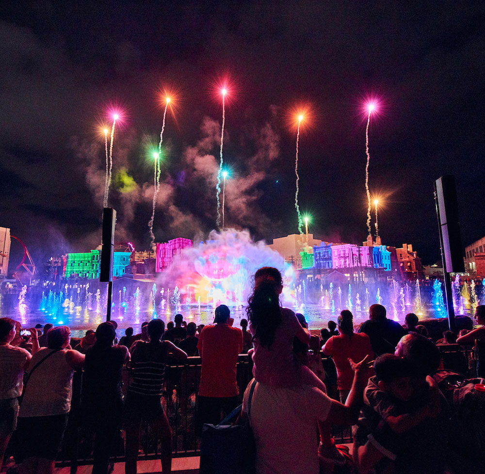 The show is created by blending panoramic water screens, 120 fountains, lasers, and fireworks!