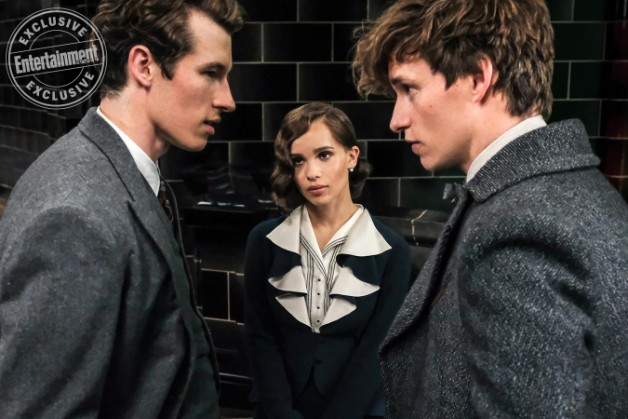 """Fantastic Beasts: The Crimes of Grindelwald"": Theseus Scamander (Callum Turner), Leta Lestrange (Zoë Kravitz), and Newt Scamander (Eddie Redmayne)"