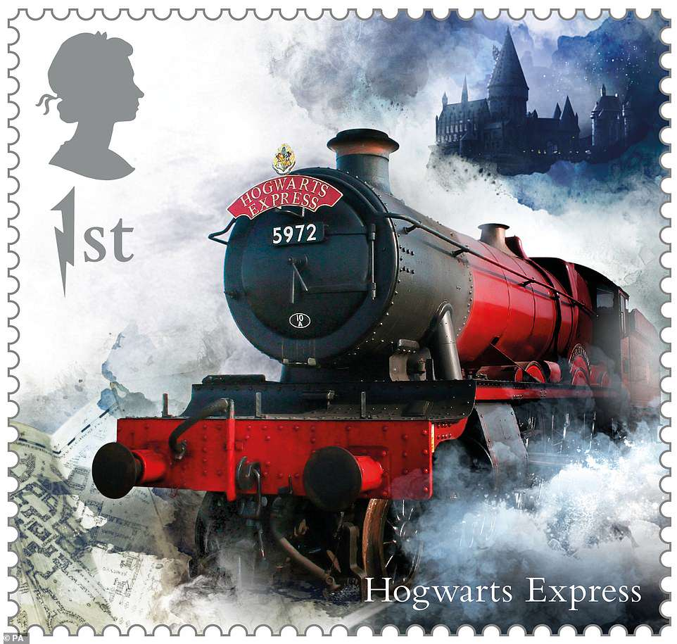 Decorate your letter with the Hogwarts Express to celebrate that back-to-Hogwarts feeling.