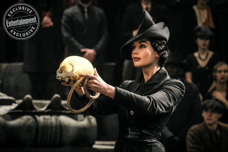 Vinda Rosier presents a gift to Grindelwald – perhaps starting her family's long line of affiliation with the dark side.