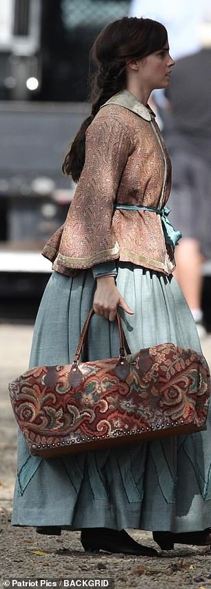 Emma Watson Bonds with Timothée Chalamet, Saoirse Ronan