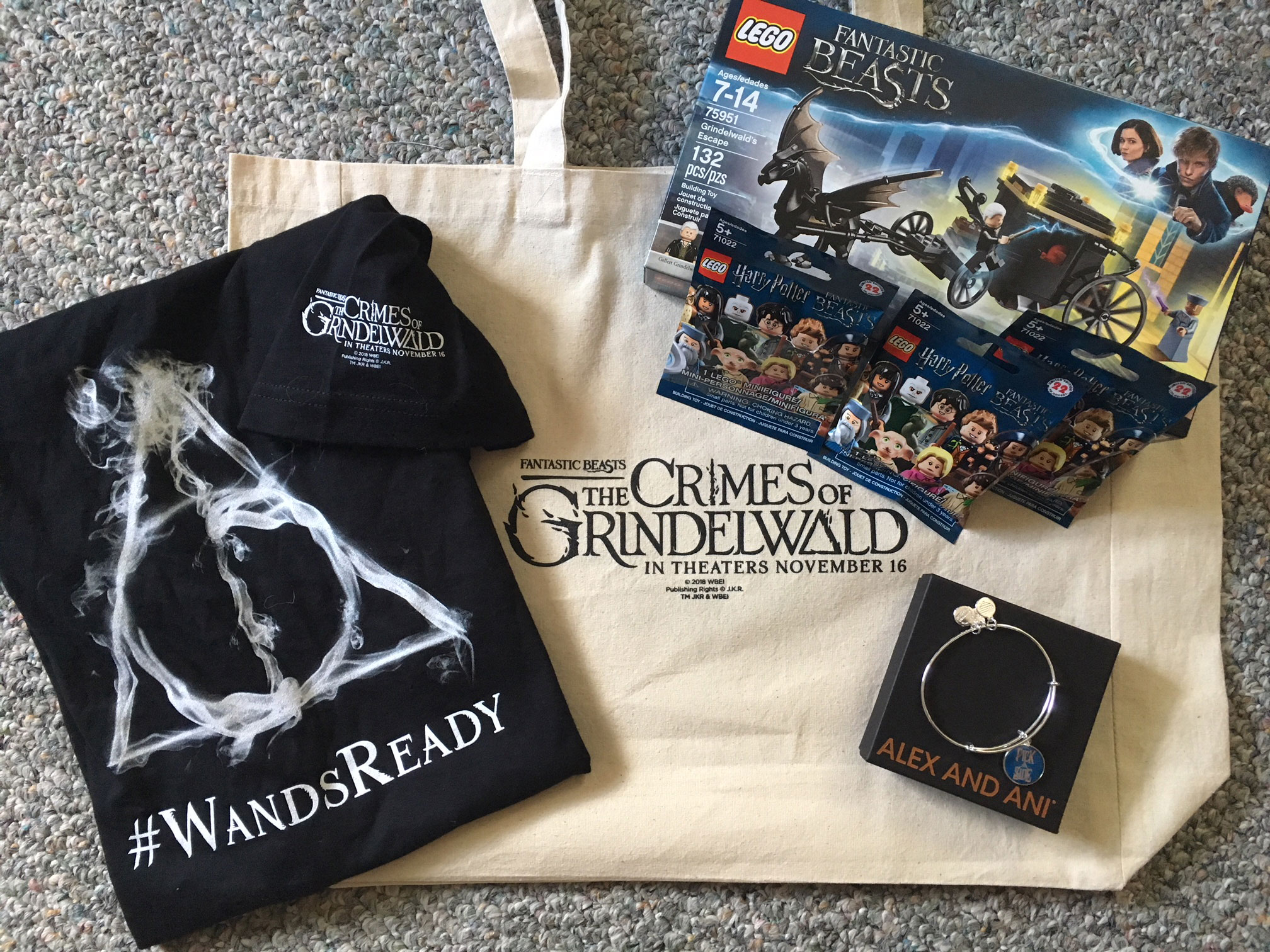 "MuggleNet's ""Fantastic Beasts: The Crimes of Grindelwald"" swag bag from the NY Media Tour"