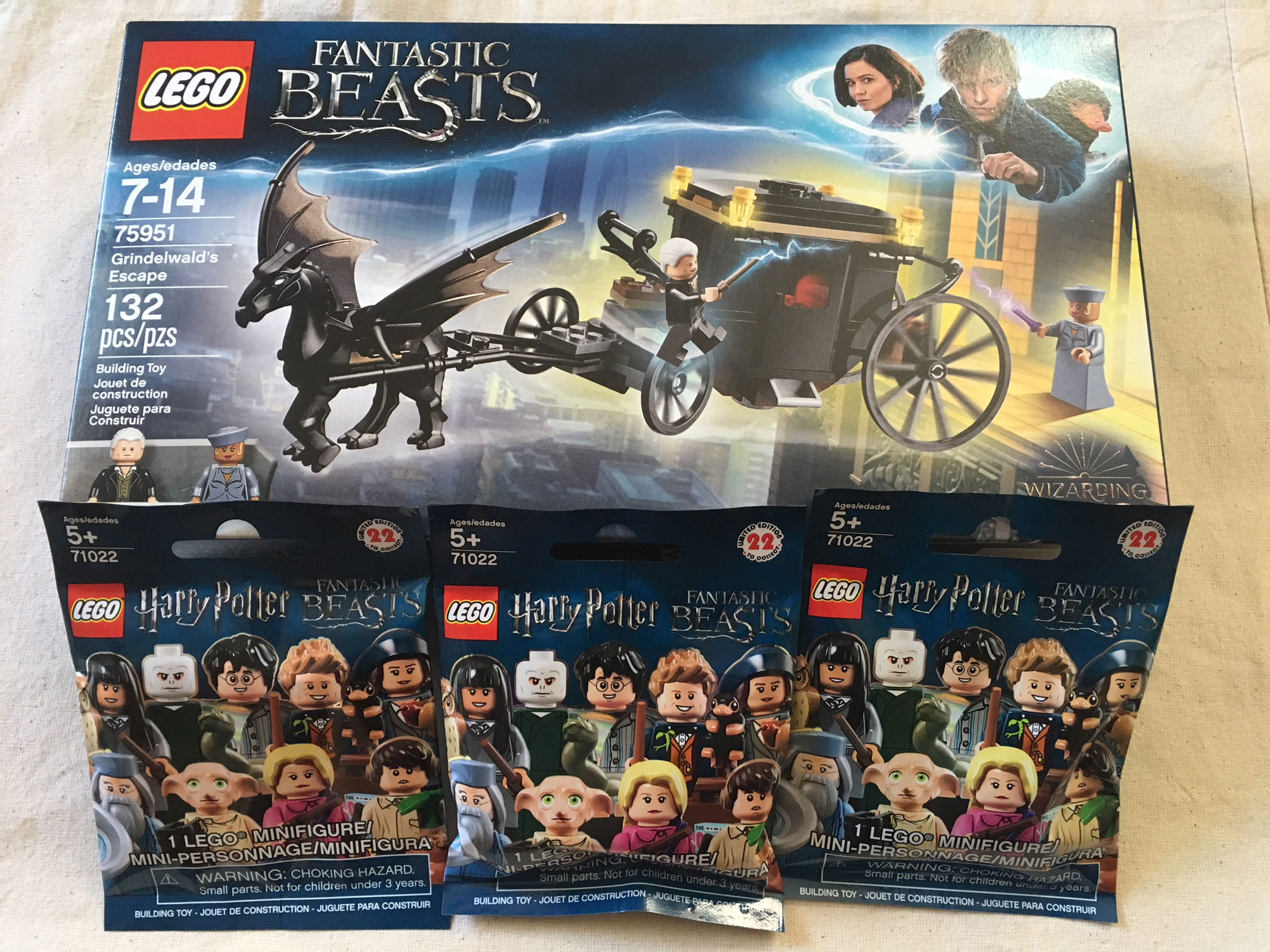LEGO Grindelwald's Escape set with 3 LEGO minifigures mystery packs