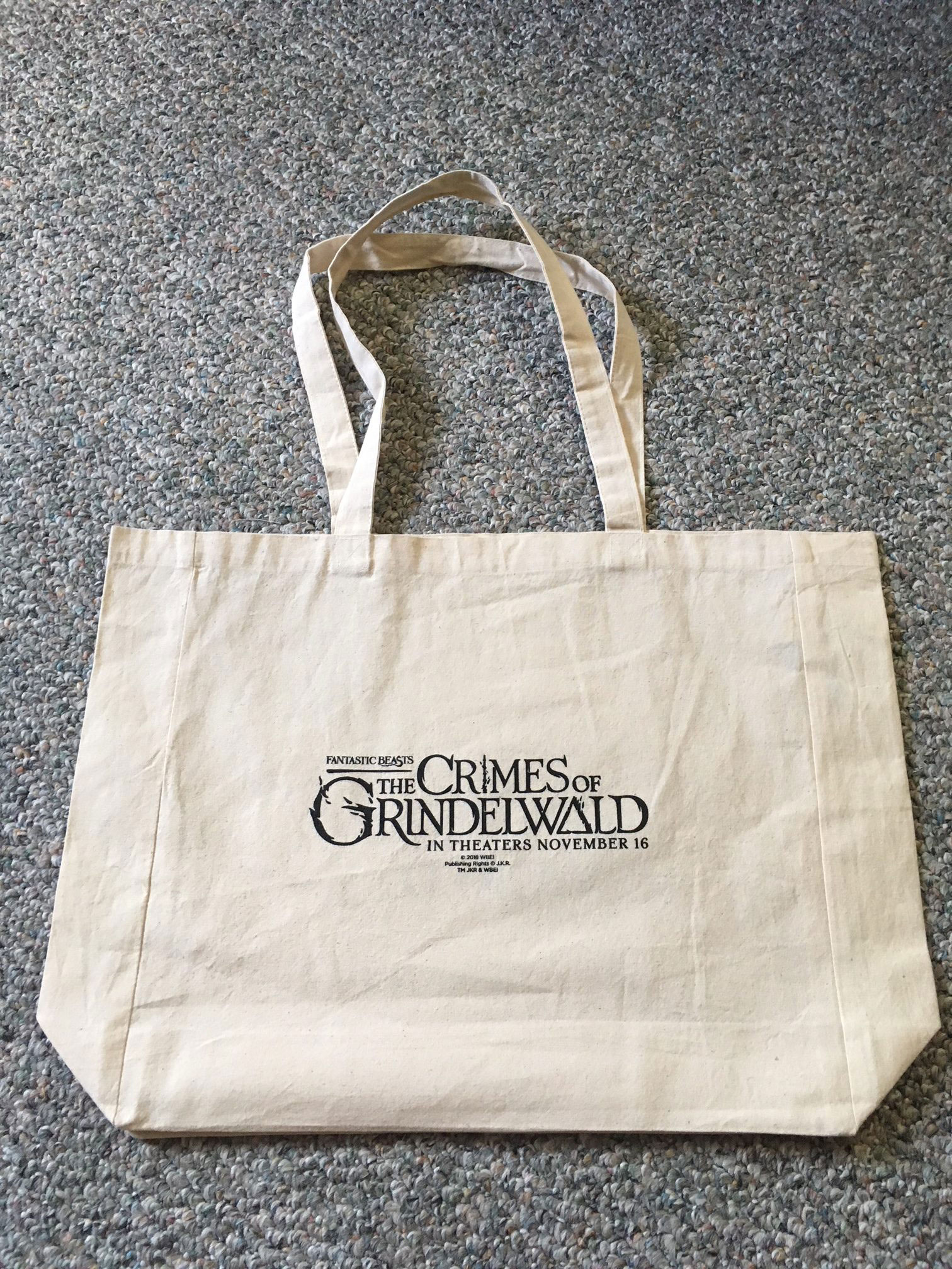 """Fantastic Beasts: The Crimes of Grindelwald"" canvas bag, with movie logo"