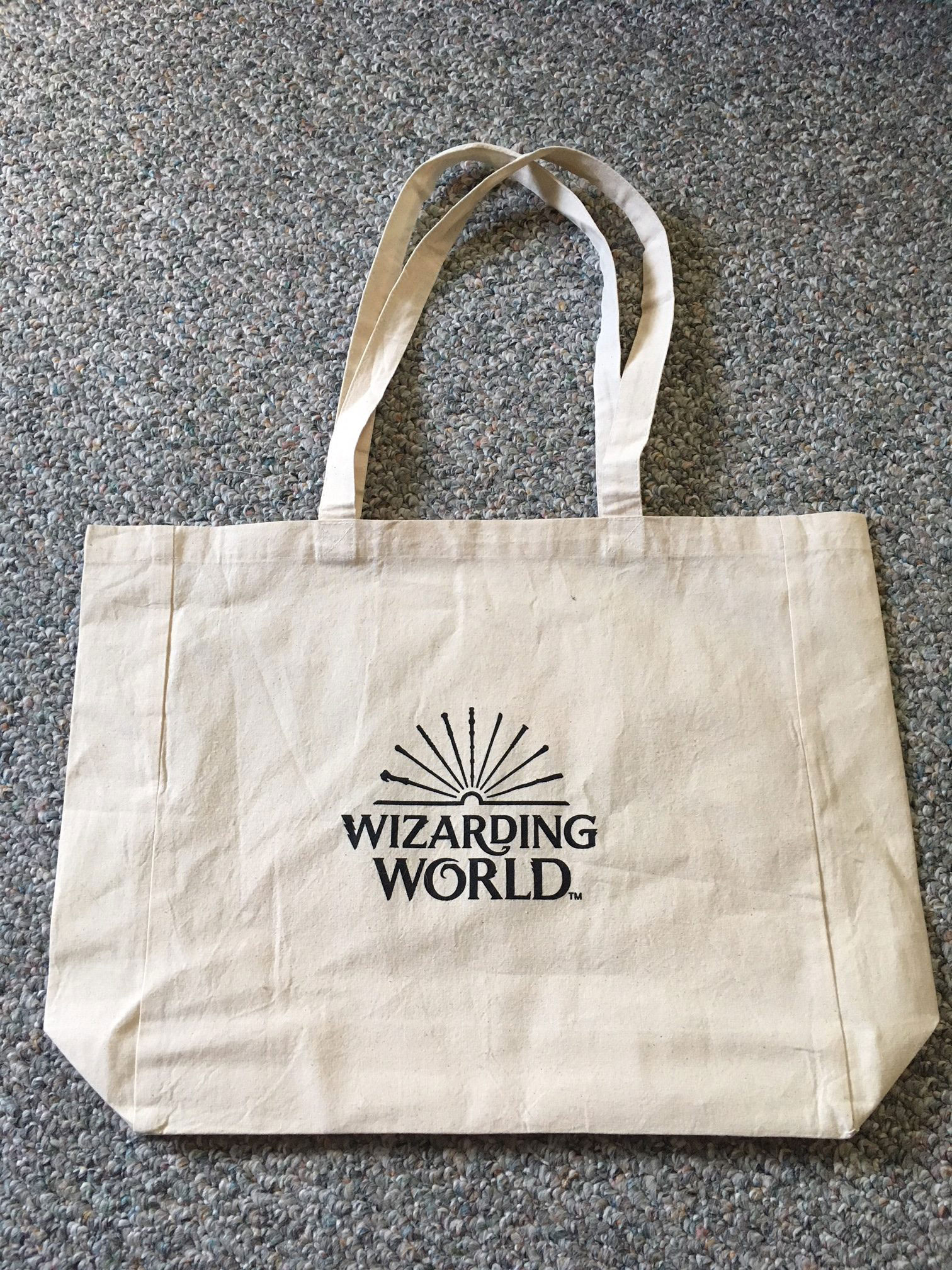 """Fantastic Beasts: The Crimes of Grindelwald"" canvas bag, with Wizarding World logo"