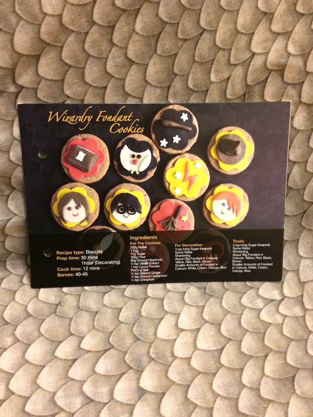 One of this month's recipe cards shows how to make wizardry fondant cookies.