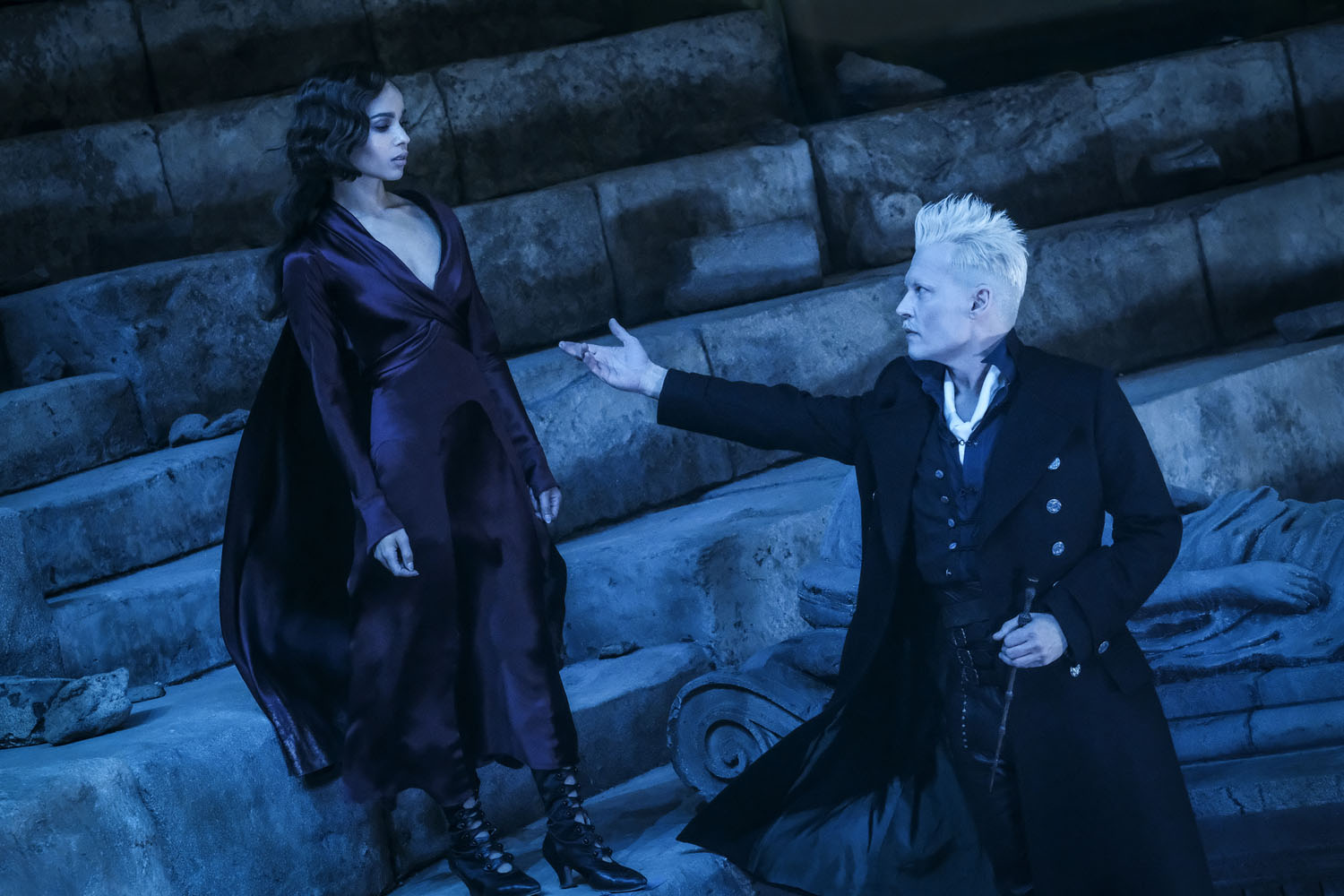 """Fantastic Beasts: The Crimes of Grindelwald"": Leta Lestrange (Zoë Kravitz) and Gellert Grindelwald (Johnny Depp)"