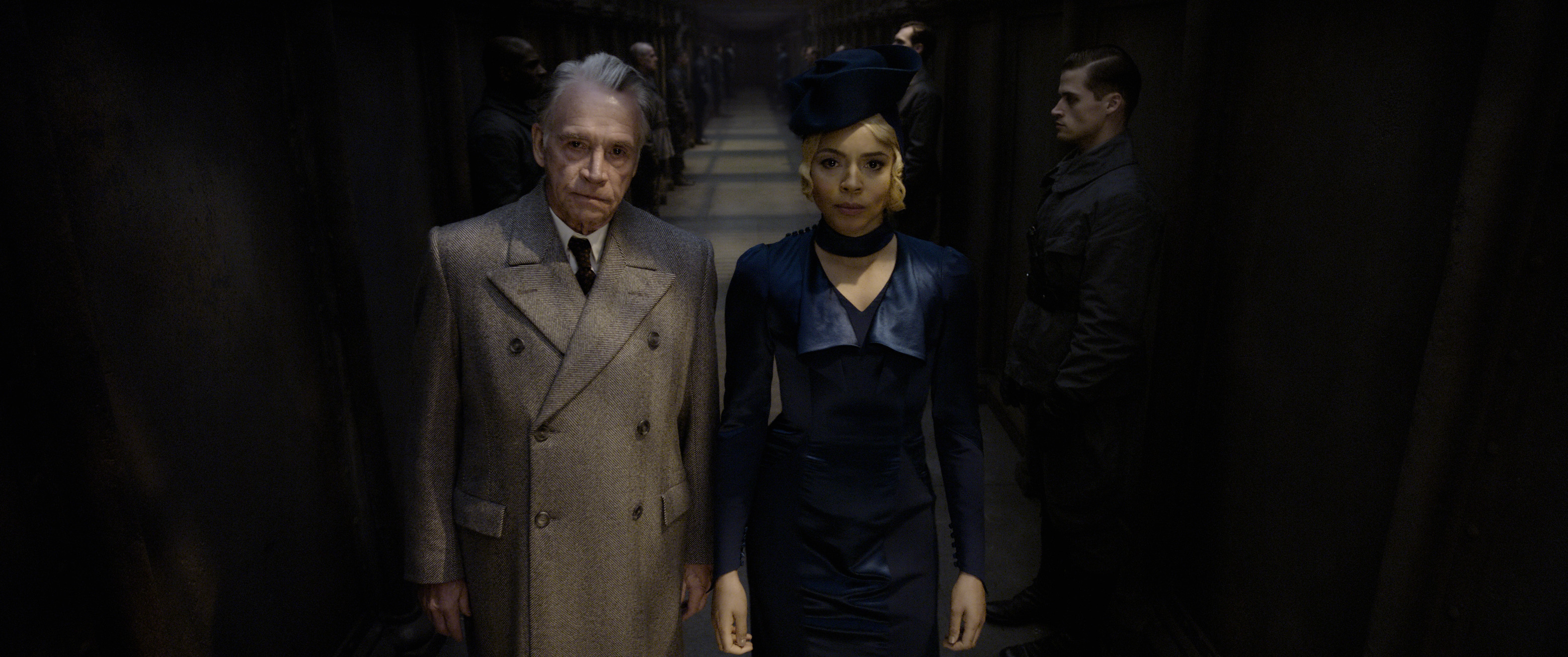 """Fantastic Beasts: The Crimes of Grindelwald"": Spielman (Wolf Roth) and Seraphina Picquery (Carmen Ejogo)"