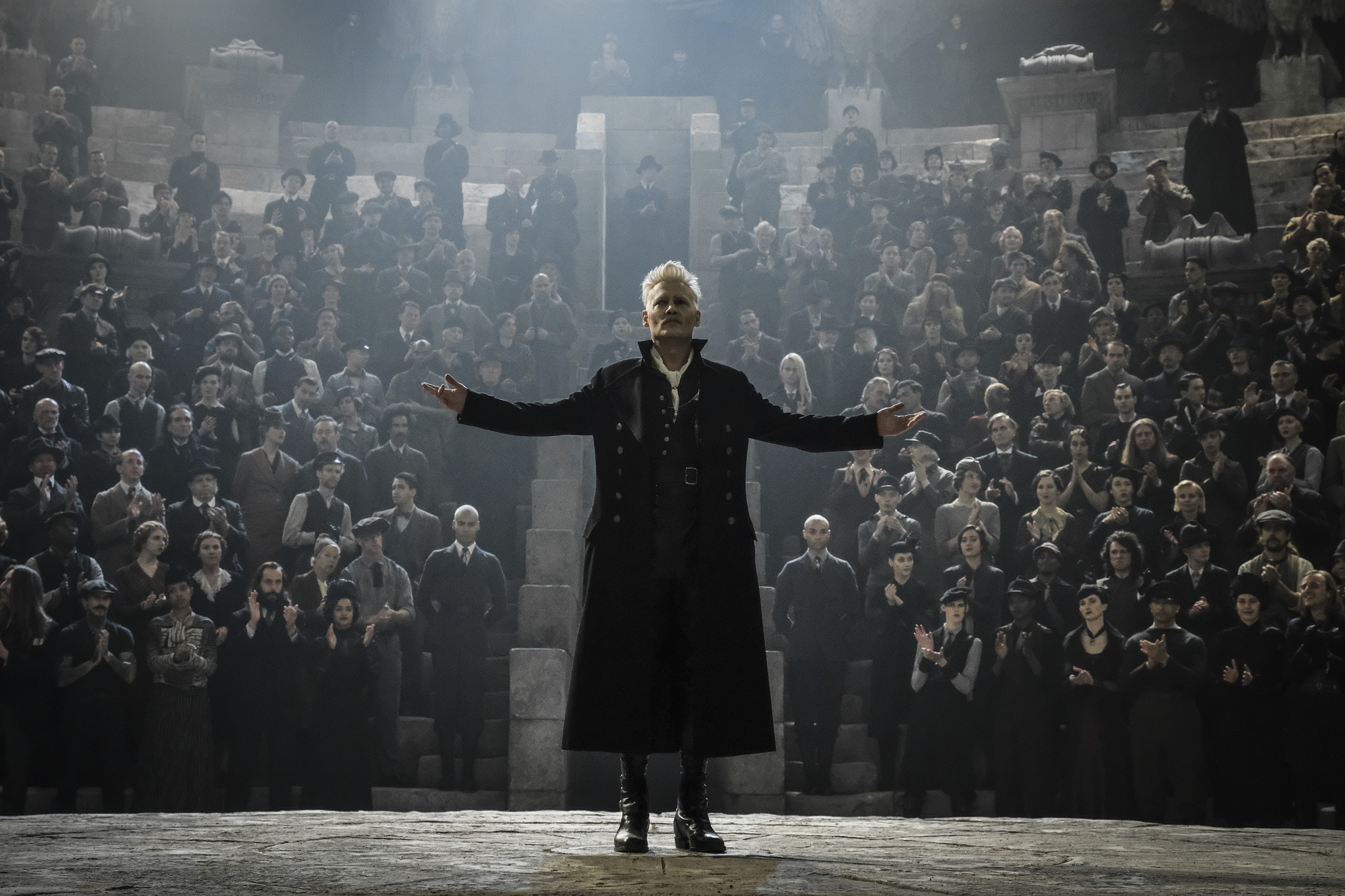 Grindelwald addresses a crowd.