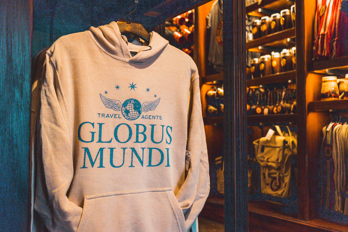 Snuggle up in this Globus Mundi sweatshirt.