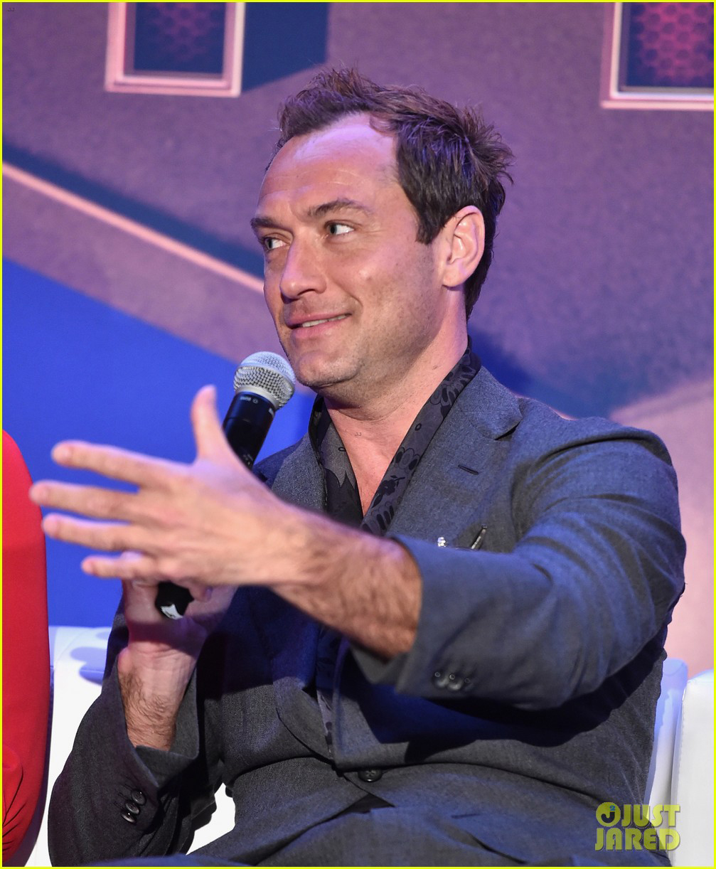 """Jude Law answers questions at the press junket for """"Captain Marvel"""" in L.A."""