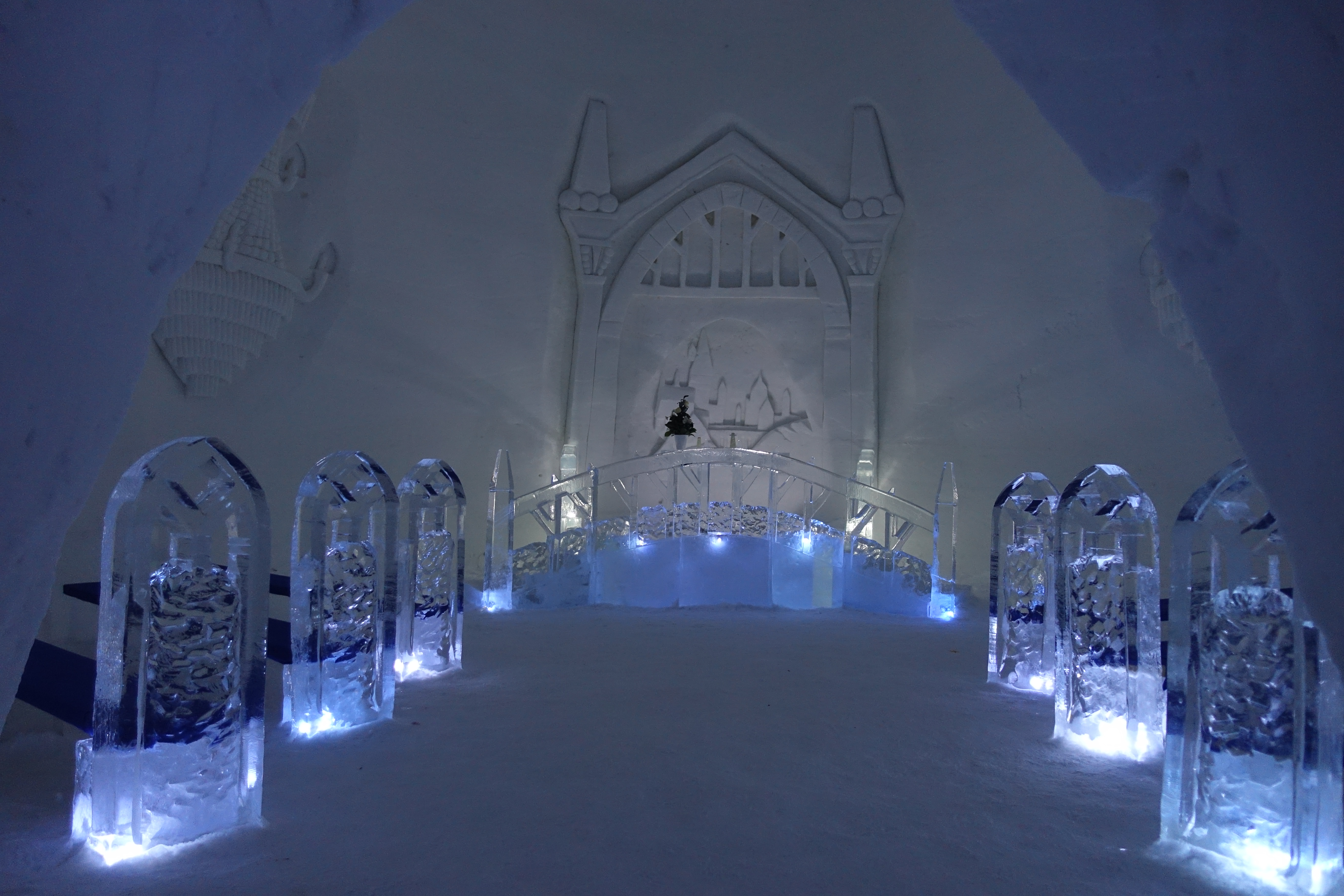 The chapel contains this large ice carving of Hogwarts.