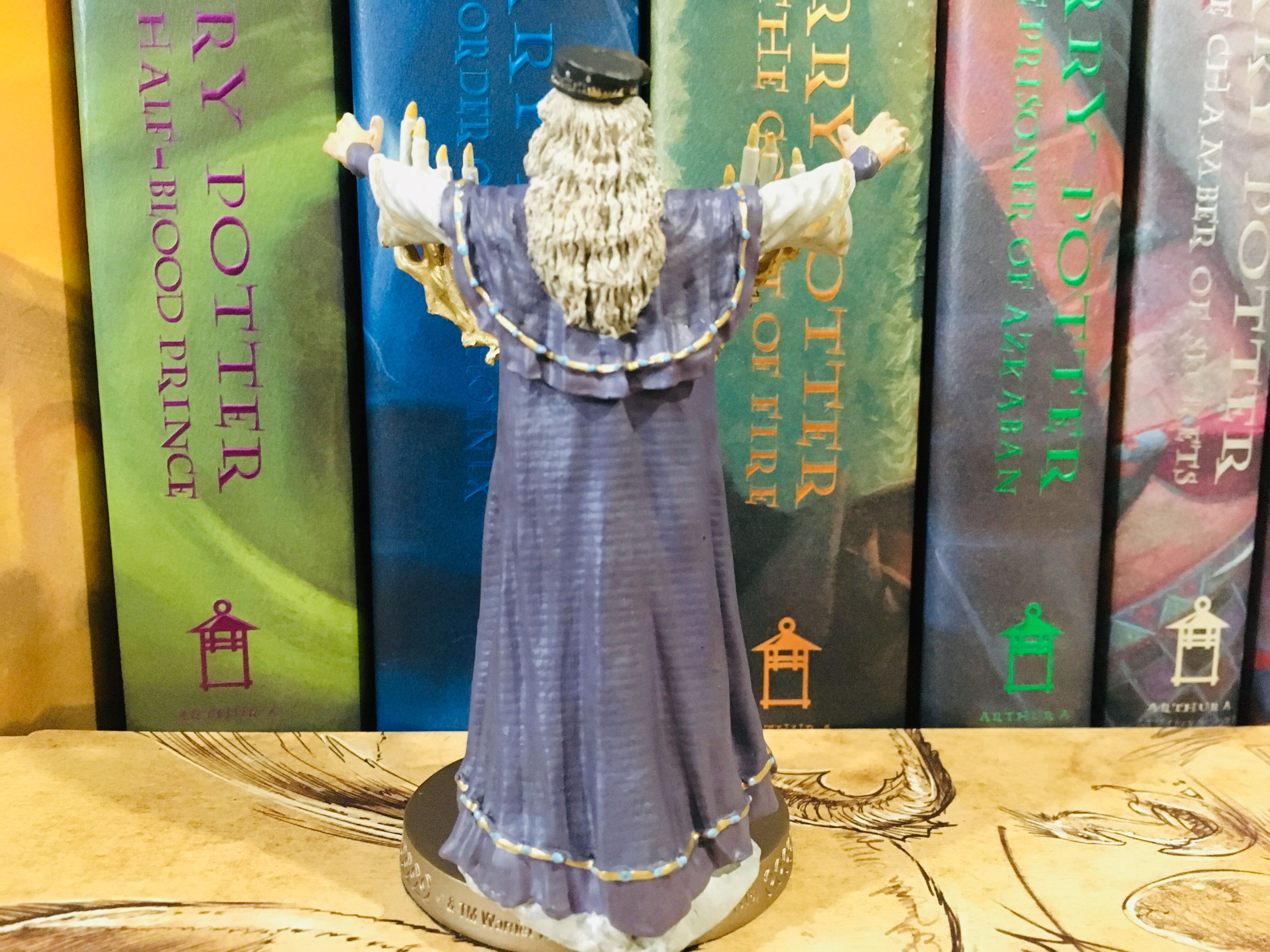 From the back, Dumbledore is just as detailed as from the front, and one can clearly see the level of care put into designing his robes.