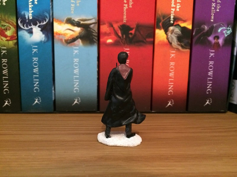 "Detailing on the back of the ""HARRY POTTER™"" figurine gives the impression of movement and makes the figurine more dynamic."