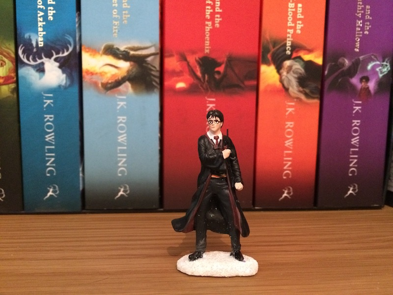 "The ""HARRY POTTER™"" figure included has been hand-painted and includes details such as the Gryffindor crest on its robes."