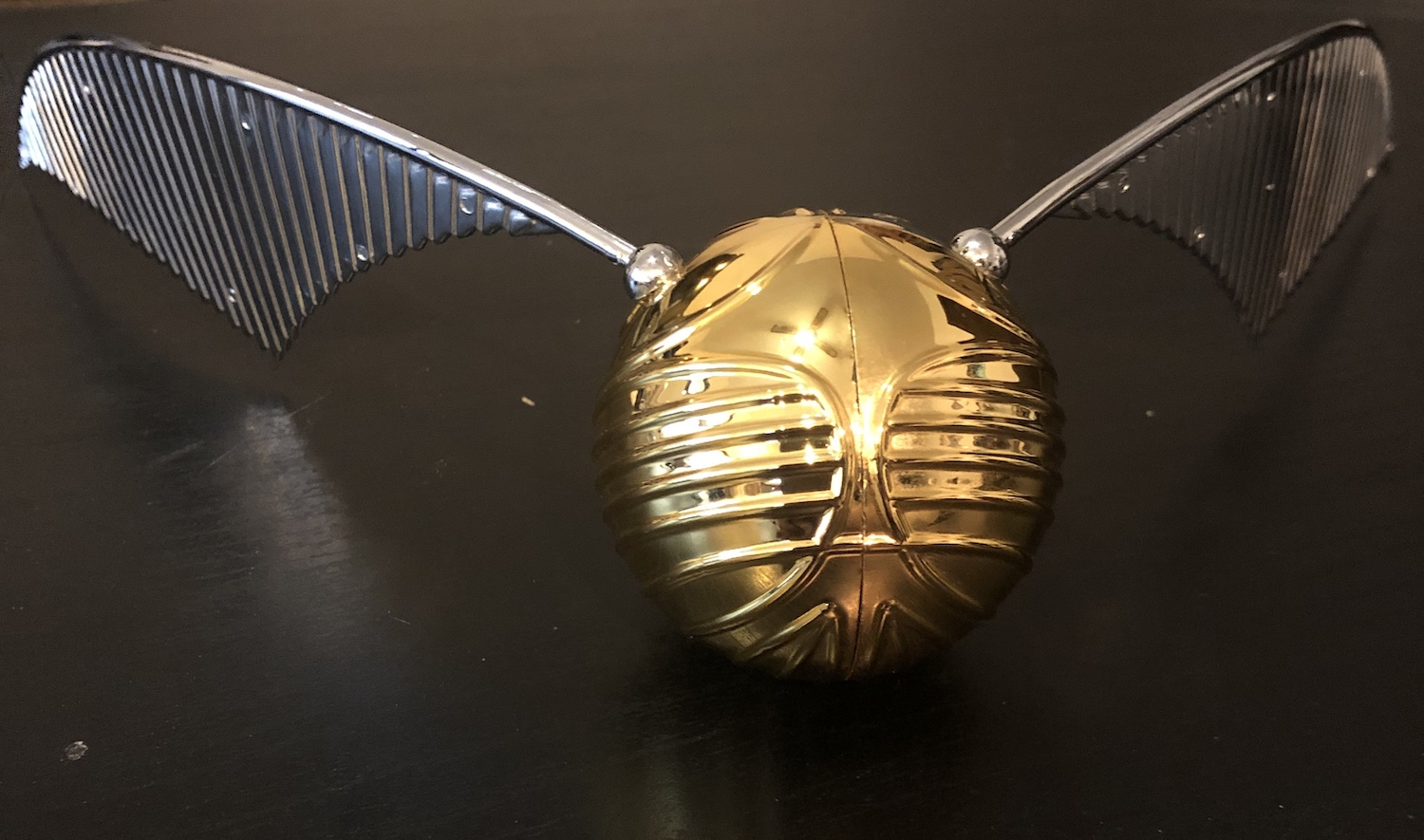 Harry Potter GOLDEN SNITCH™ close up