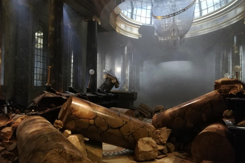 Gringotts opening at Warner Bros Studio Tour – Gringotts hall destroyed