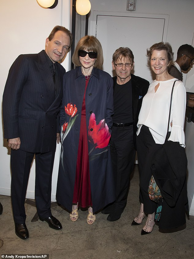 """Ralph Fiennes poses with Anna Wintour, Mikhail Barishnikov, and Lisa Rinehart during a screening of """"The White Crow"""" in New York."""