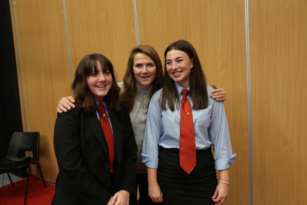 Jessica Hynes poses with students during her visit to Cornwall.