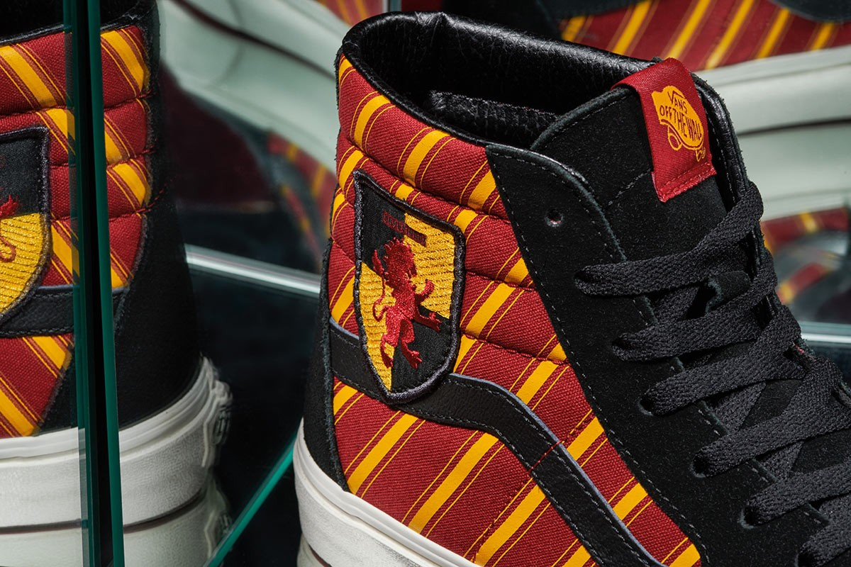 Gryffindor Vans, in detail