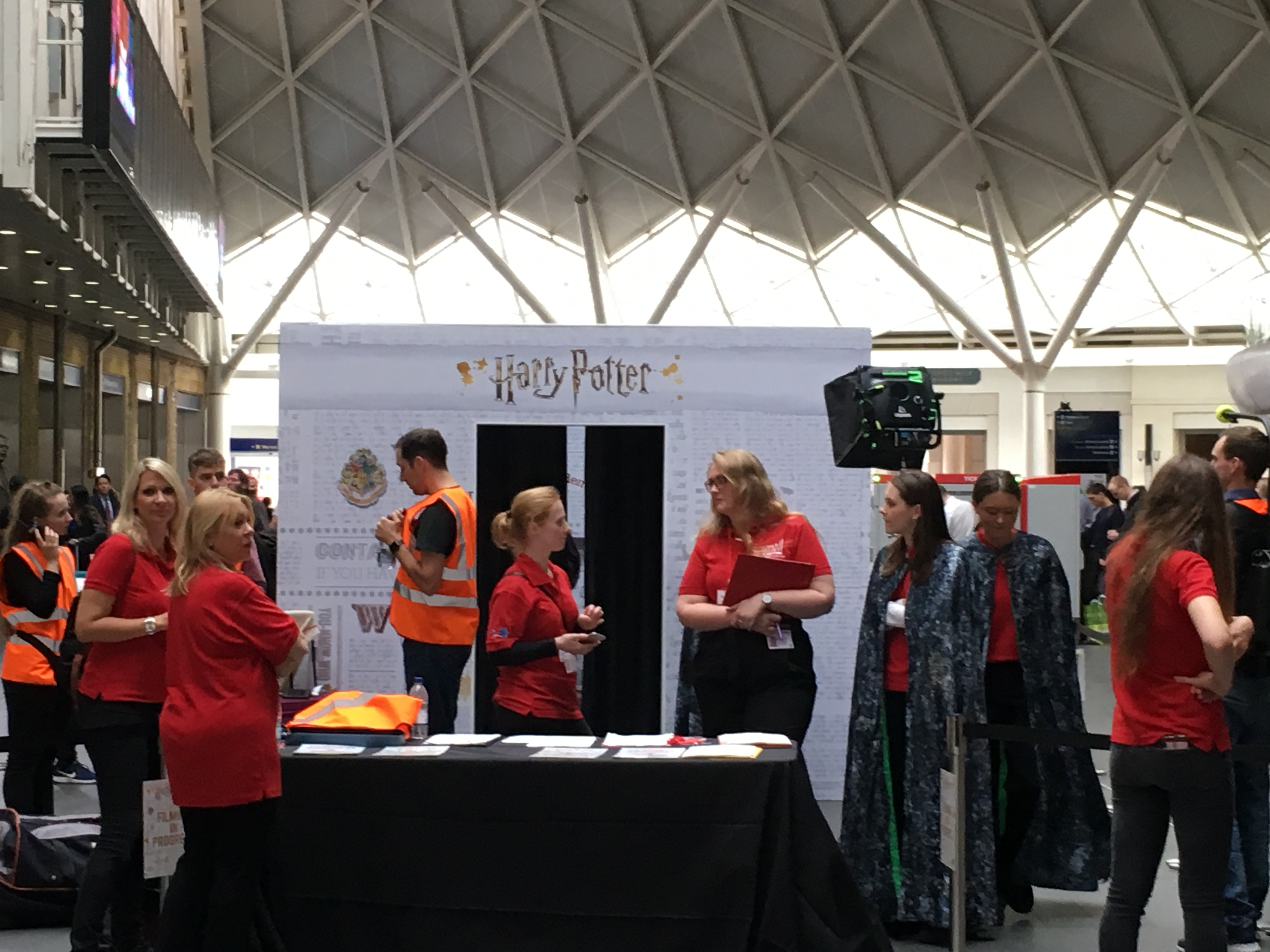 Wow! Stuff invisibility cloak launch at King's Cross – hustle and bustle around the booth on press day