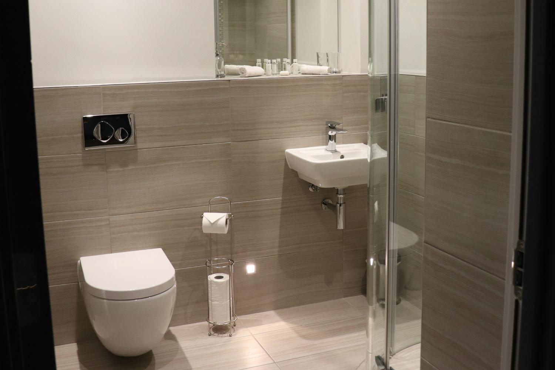 Enchanment Chamber bathroom