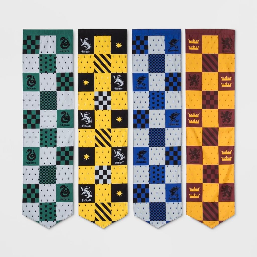 """Harry Potter"" 4-piece Hogwarts House pennants"