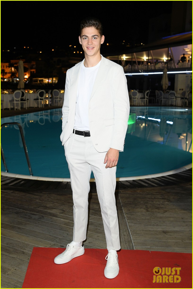 Hero Fiennes-Tiffin poses for a photo at the Ischia Global Film and Music Fest.