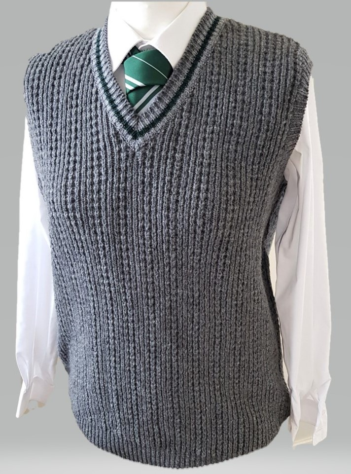 Retro Slytherin Knitted Sweater from Lochaven