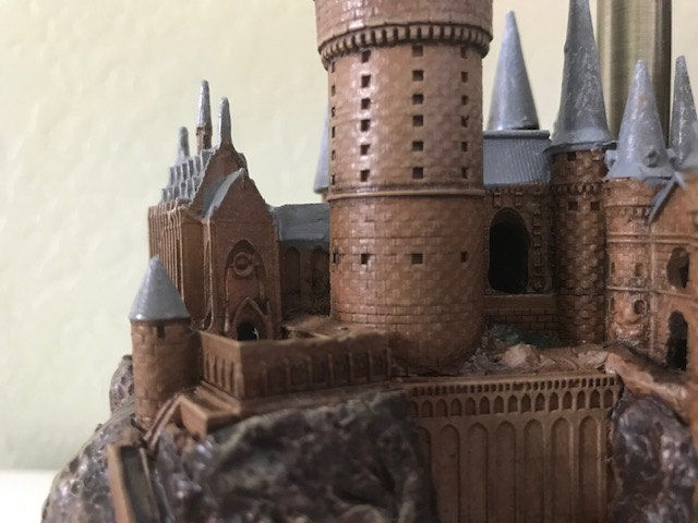 Harry Potter Hogwarts Lamp from The Bradford Exchange: Close up view of clock tower courtyard