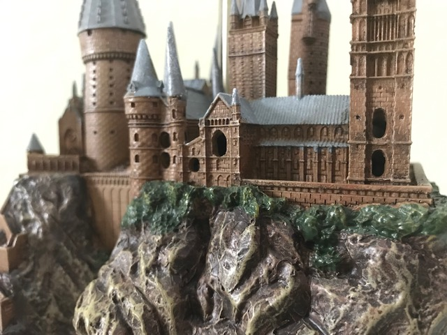 Harry Potter Hogwarts Lamp from The Bradford Exchange: close-up view of windows at the front of the castle
