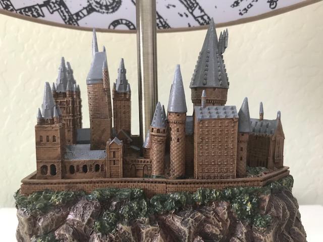Harry Potter Hogwarts Lamp from The Bradford Exchange: Hogwarts castle sculpture base, back view, close up on castle