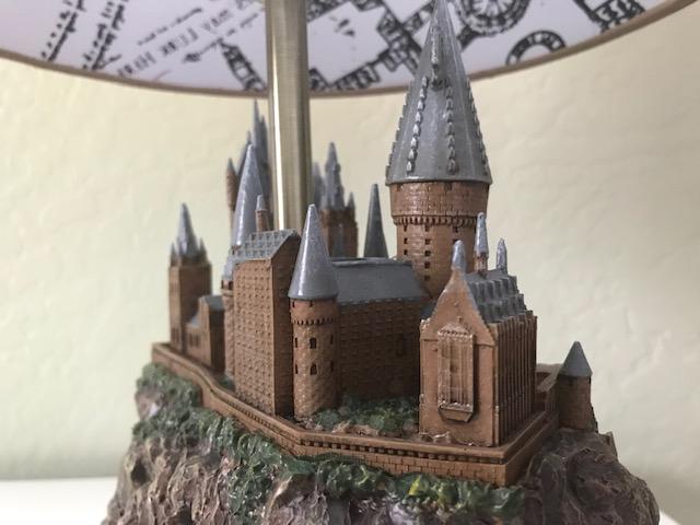 Harry Potter Hogwarts Lamp from The Bradford Exchange: Hogwarts castle sculpture base, left side view of castle