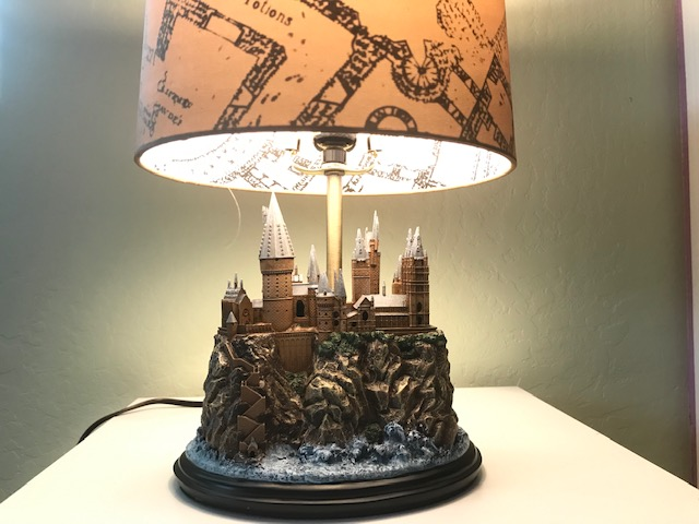 Harry Potter Hogwarts Lamp: When the main light is turned on, the Marauder's Map design on the fabric lampshade is revealed