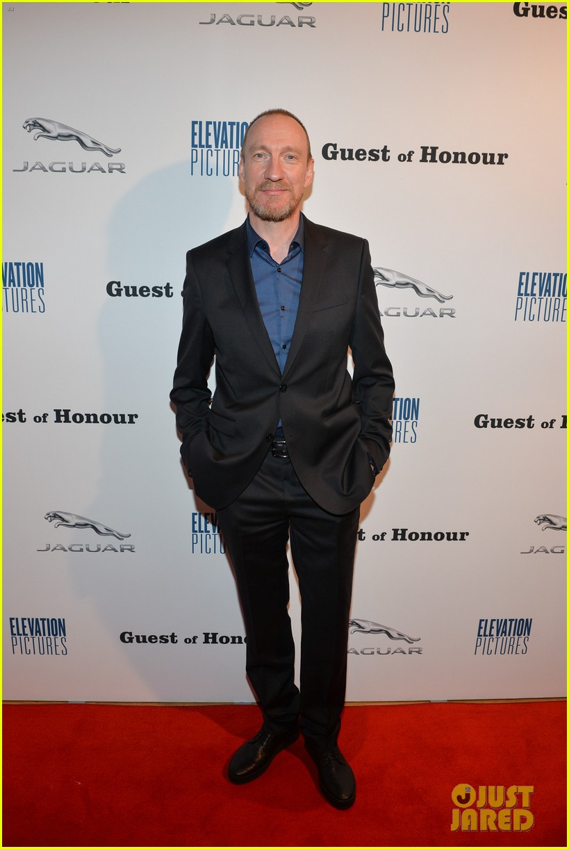 David Thewlis shows off his classy duds on the red carpet at the Toronto International Film Festival.