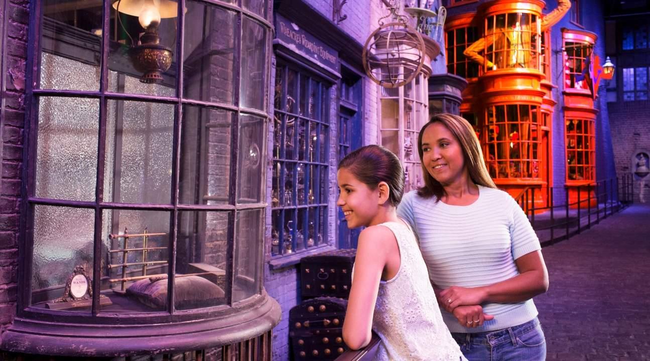 Klook Experience – Warner Bros. Studio Tour, Diagon Alley, Ollivander's