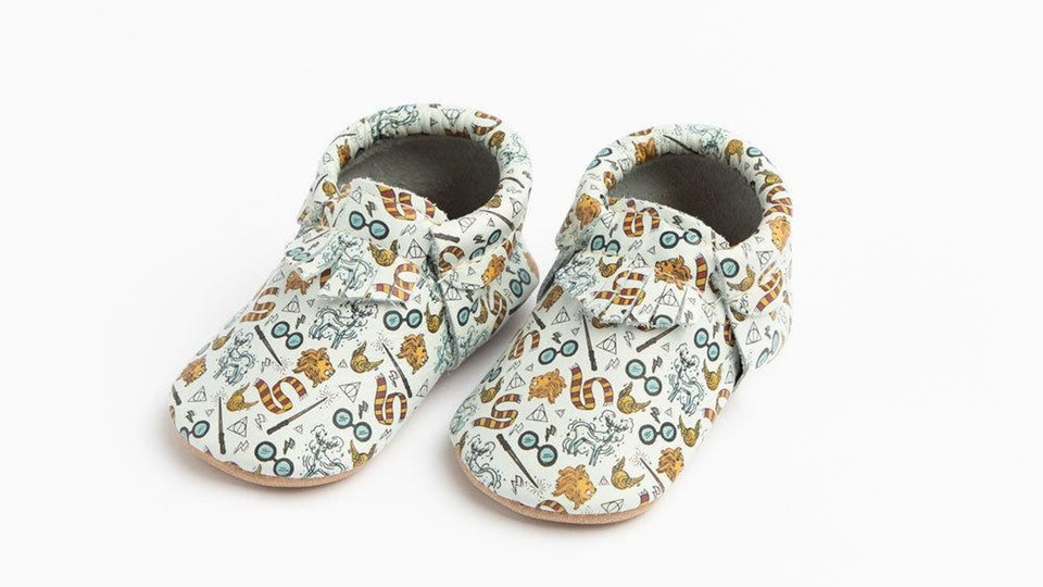 """If you're looking for an all-encompassing """"Harry Potter"""" baby shoe, these are the choice for you!"""