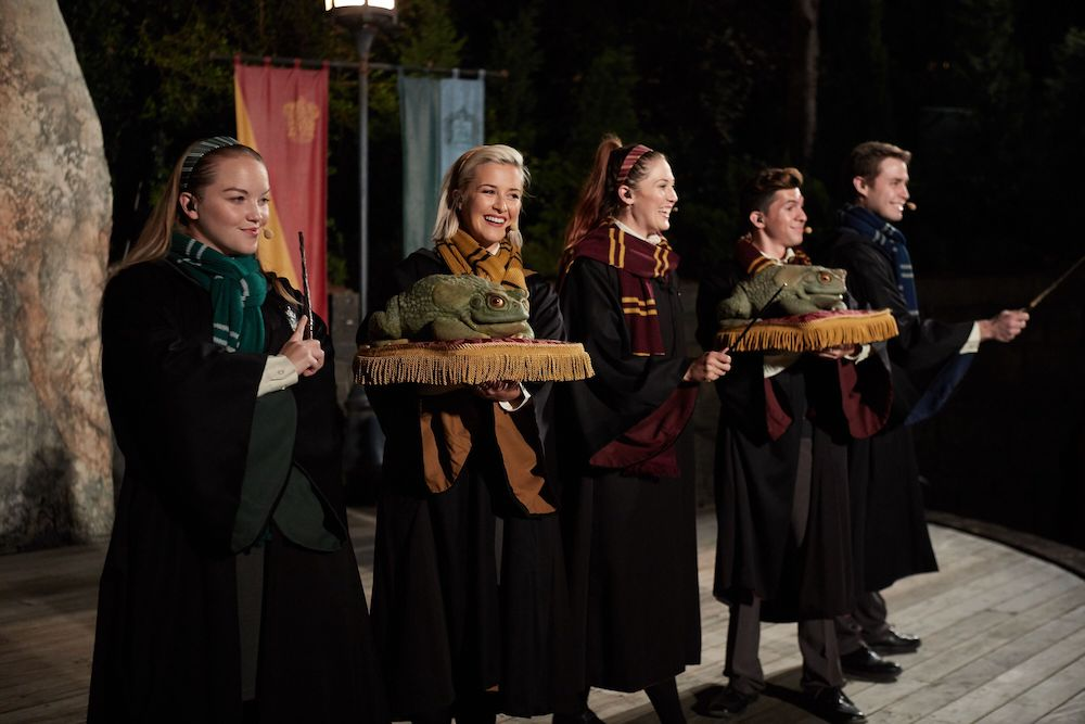 The Frog Choir is based in Hogsmeade and will sing both magical and Muggle Christmas carols.