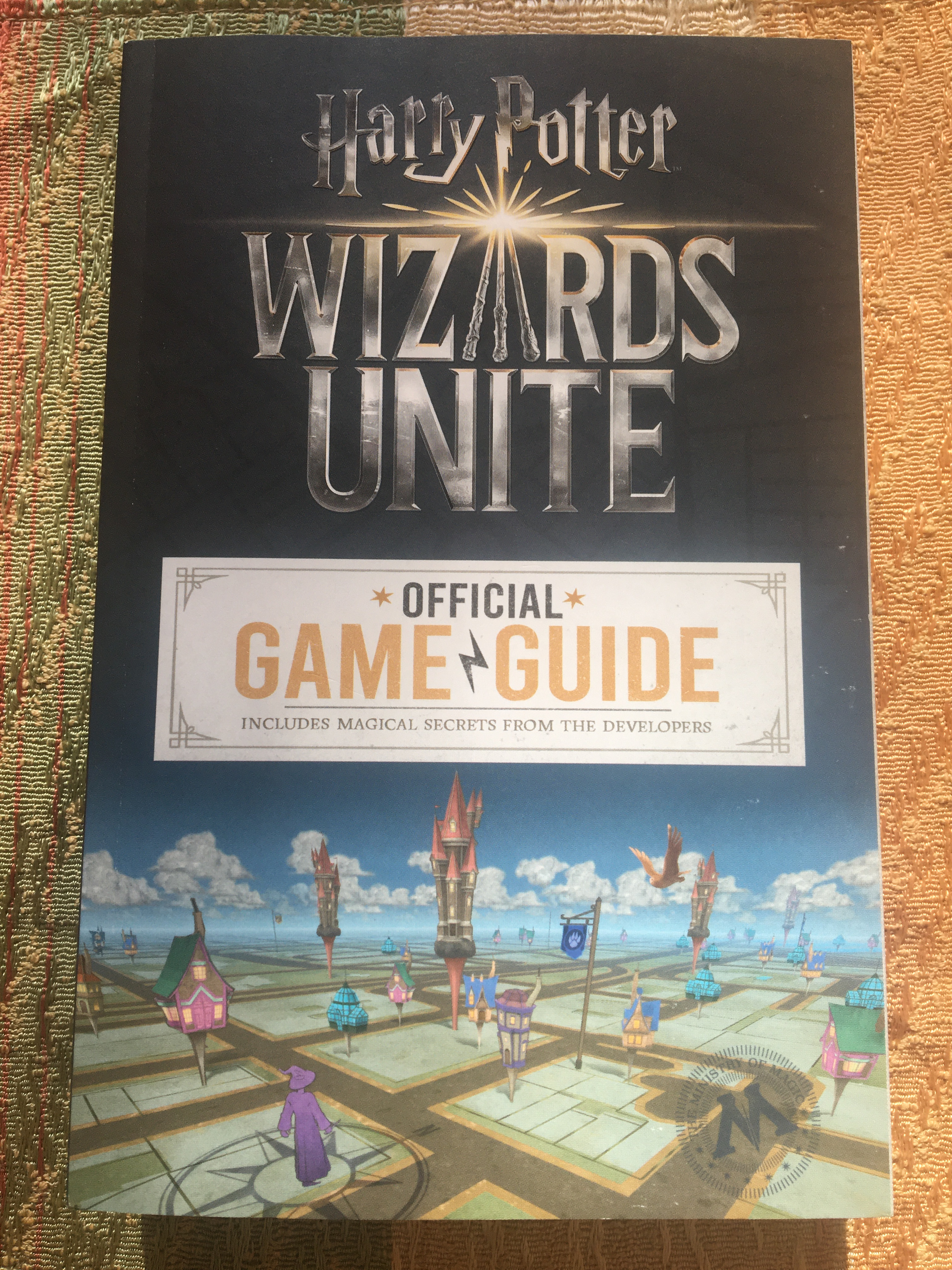 """Harry Potter: Wizards Unite: Official Game Guide"" cover"